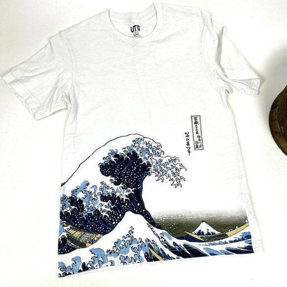 Uniqlo Tee Shirt UT Hokusai Blue The Wave Small